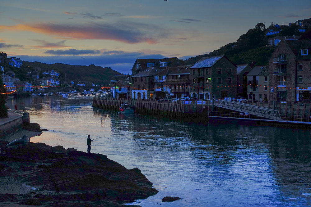 Looe at Twilgiht. Photo © Bob Krist with Sony RX100iii